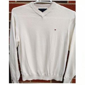 Tommy Hilfiger men's medium v-neck sweater in